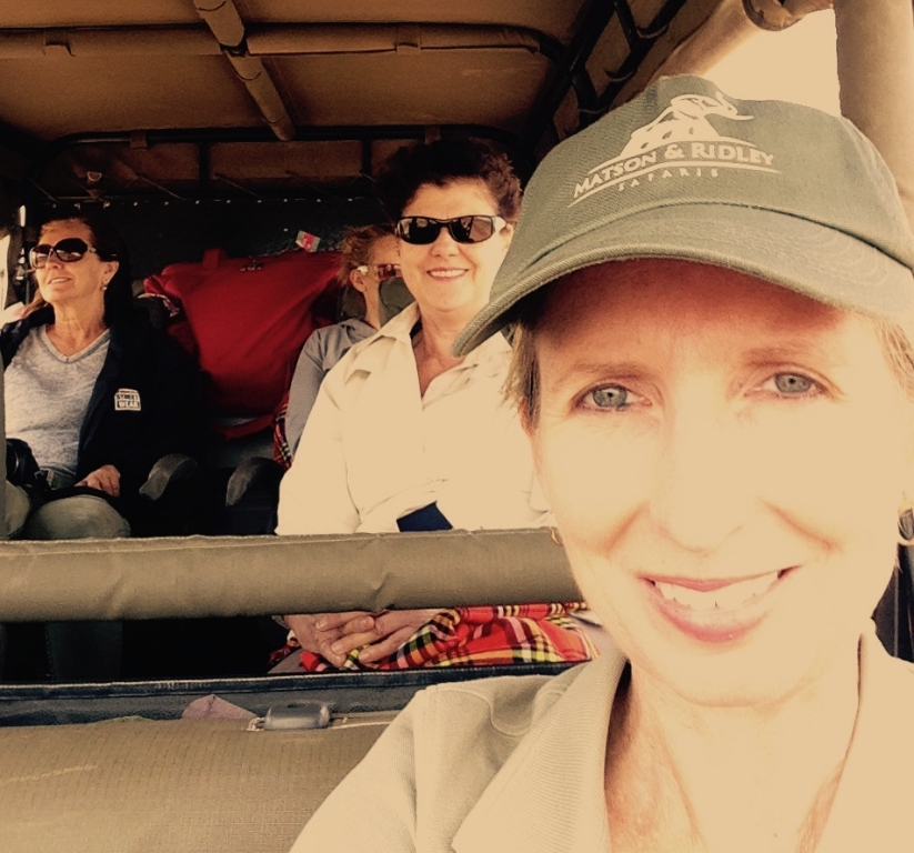 Selfie in the Land Rover (Leonie & Marion in background, and a little bit of Michelle!)